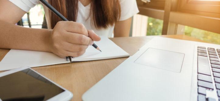 5 cursos de Coursera para que mejores tu inglés